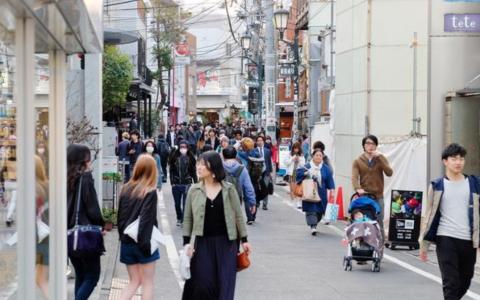 日本政府为提高国民生育率将允许同居未婚夫妻通...