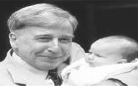 世界上第一个试管婴儿的故事,想知道吗?