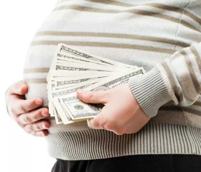 """俄罗斯合法DY代怀孕母亲公开谈论她们的""""生意""""称肚皮里有一百万卢布了"""